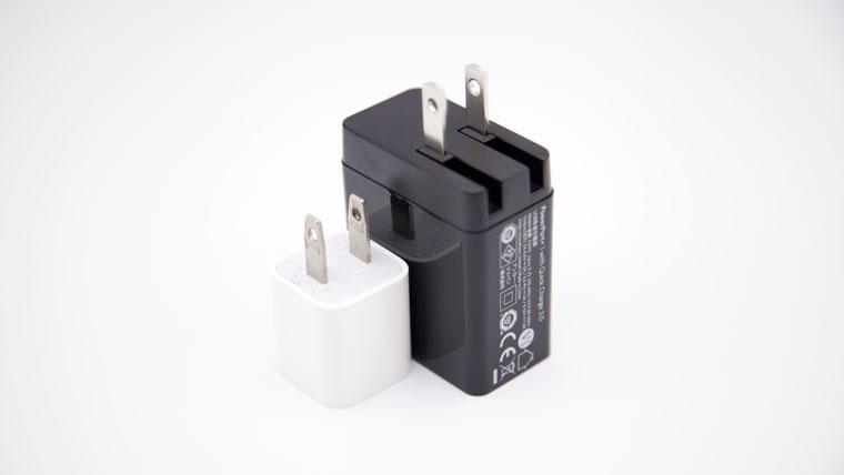 Anker Powerport+1とiphoneアダプタの比較